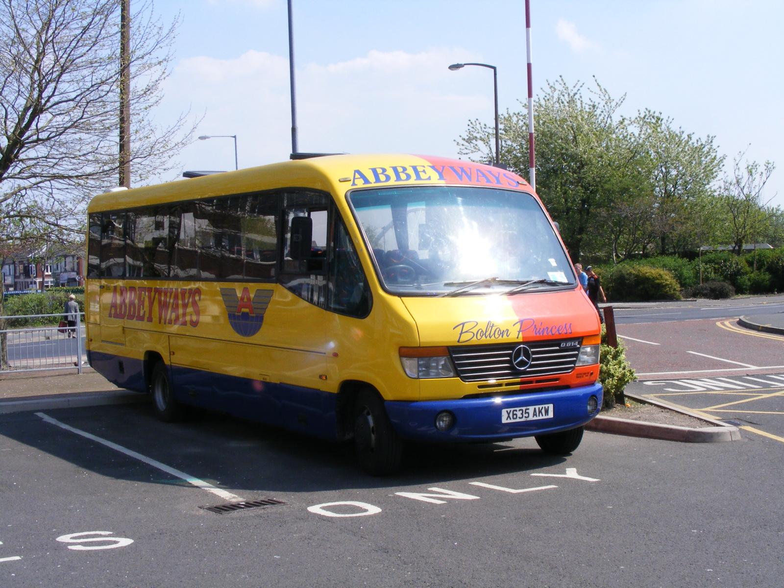Abbeyways_bus_(X835_AKW),_6_May_2008_(1).jpg